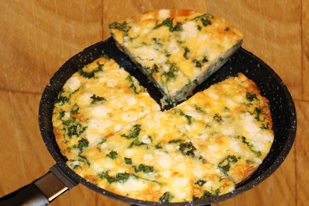 Bacon, sweet potato, kale frittata wood1.jpg